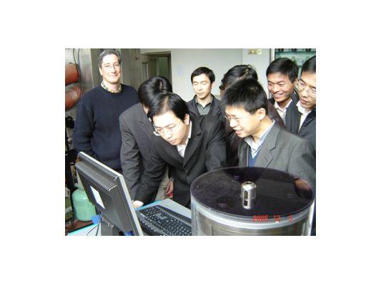 2005年12月国内首台SPT在江苏交科院调试成功