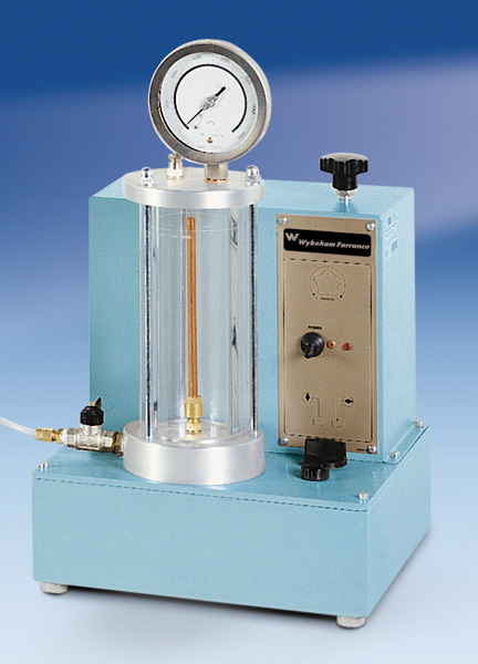 油水压力装置