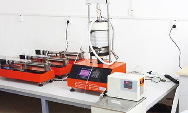 全自动温度-化学-渗透-应力耦合多功能三轴仪(专利产品、武汉岩土所定制)